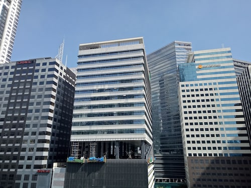 Forbestown Place at the Fort BGC n/ St. Luke's and Burgos Circle, Makati City