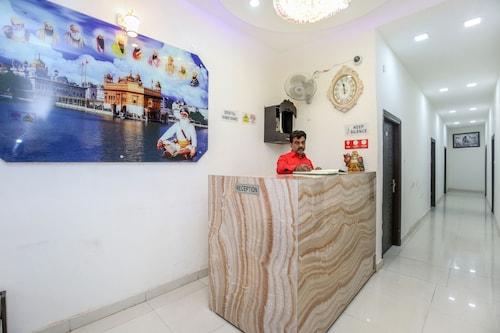 OYO 24851 Hotel R Continental, Amritsar