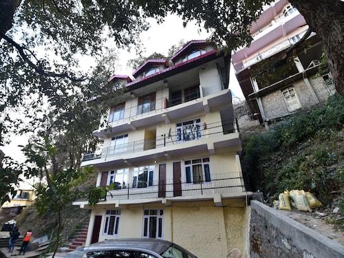 OYO 27622 Gautam Regency, Shimla