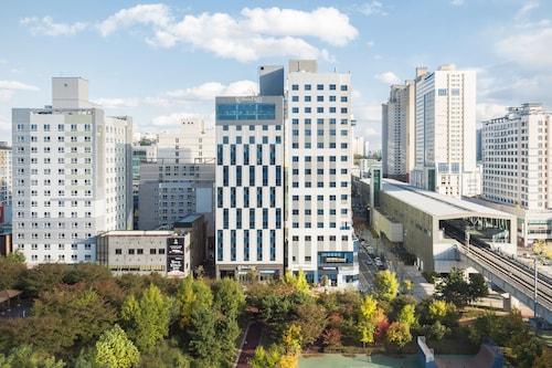 Hotel Lartpark, Namdong