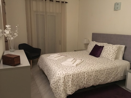 Glory Holiday Rooms, Lagos