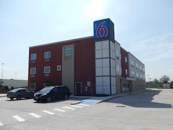 Motel 6 Houston, TX - Downtown North