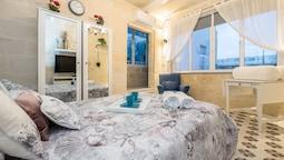 Valletta South Street Apartment