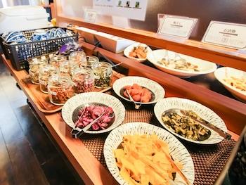 HOTEL LIVEMAX PREMIUM HIMEJIEKI-MINAMI Breakfast buffet