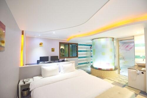 Hotel Hyu, Gimhae