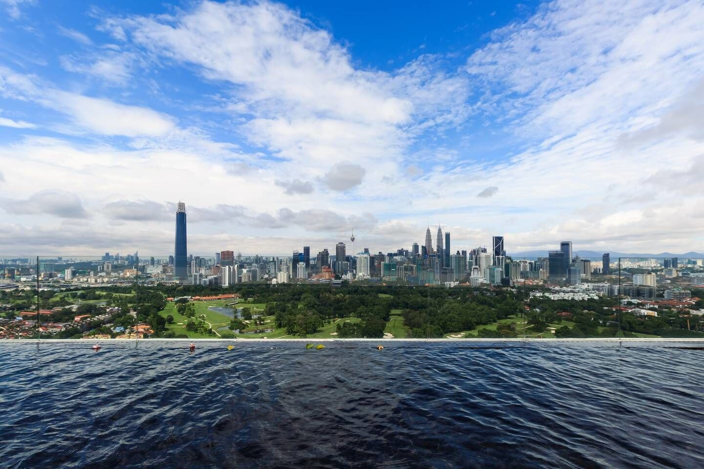 Charming 3BR Suite With Spectacular Views of Klcc!, Kuala Lumpur