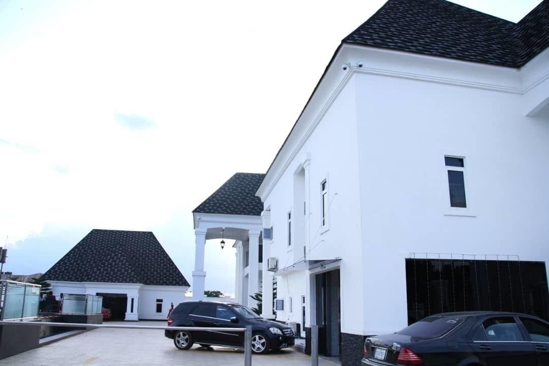 PoshLux Executive Hotel, Ikpoba-Okha