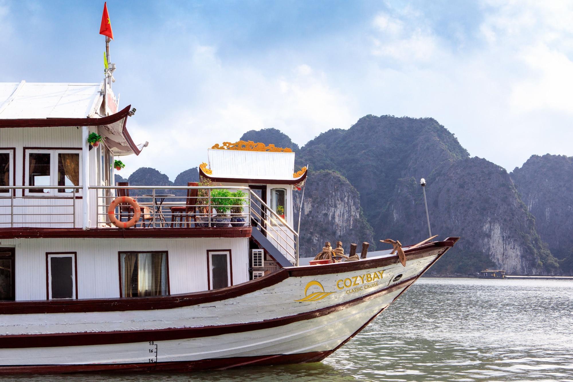 Cozy Bay Classic Cruise, Hạ Long