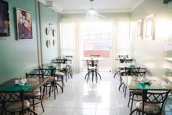 蘿莎飯店 Rosa's Hotel