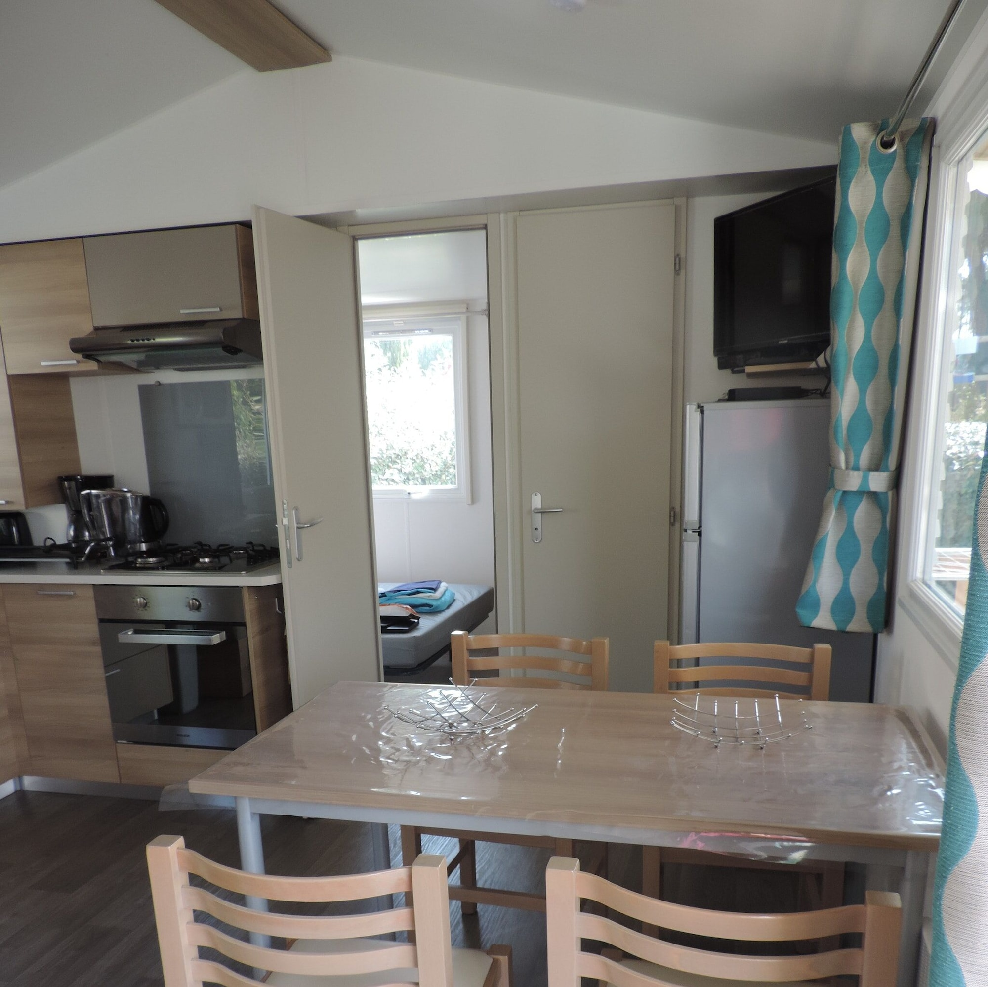Bungalow With 2 Bedrooms in Gastes, With Pool Access, Enclosed Garden and Wifi, Landes
