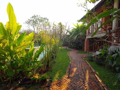 BaanSuk Sukhothai Resort, Muang Sukhothai