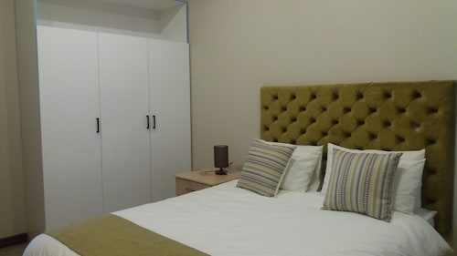 Staybridge Self Catering Apartments, Francistown