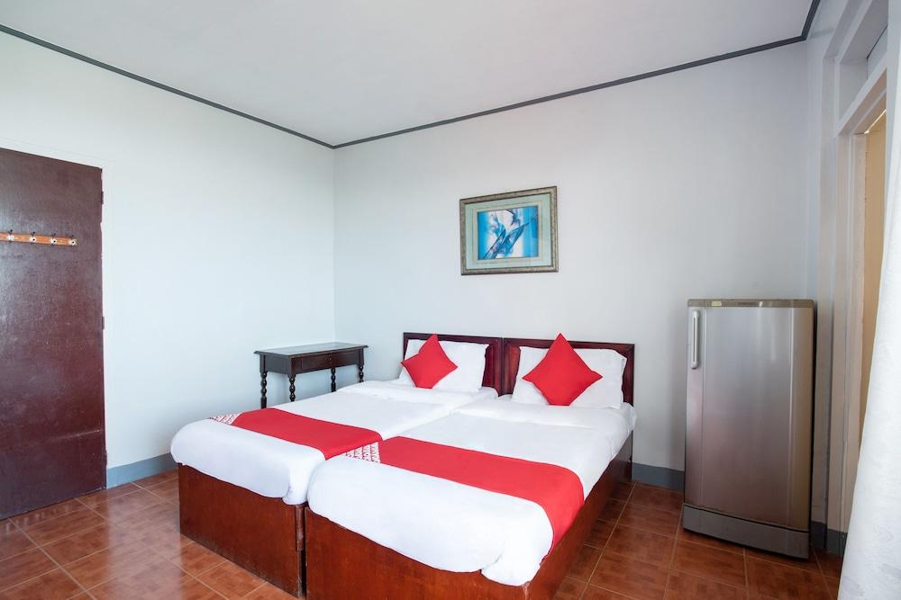 https://i.travelapi.com/hotels/36000000/35160000/35152100/35152044/68dad89c_z.jpg