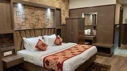 Hotel Chintpurni International