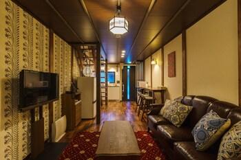IKIDANE HOUSE OSAKA KYOBASHI NEI Living Area