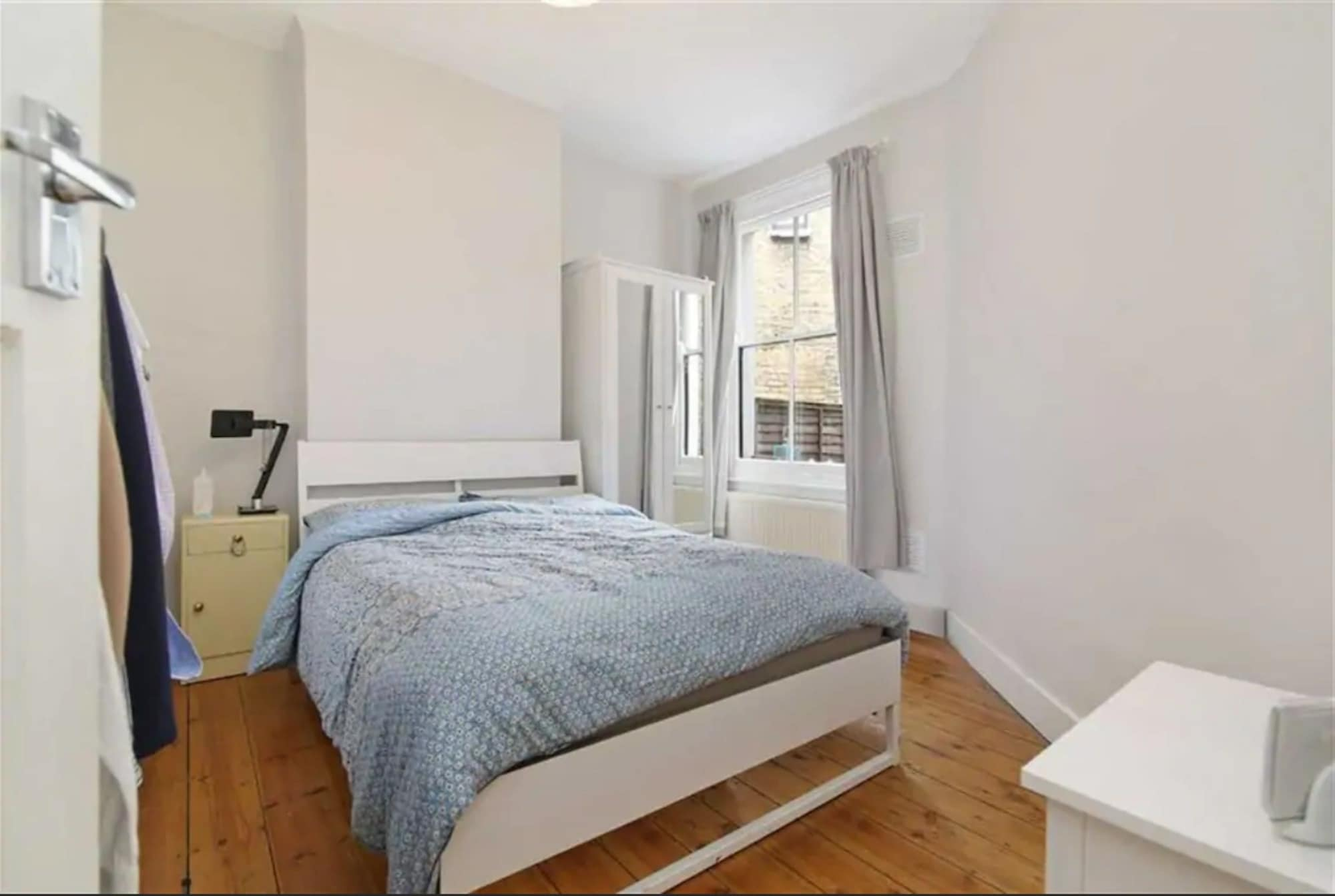 Rustic 1 Bedroom Garden Apartment in the Heart of East London, London