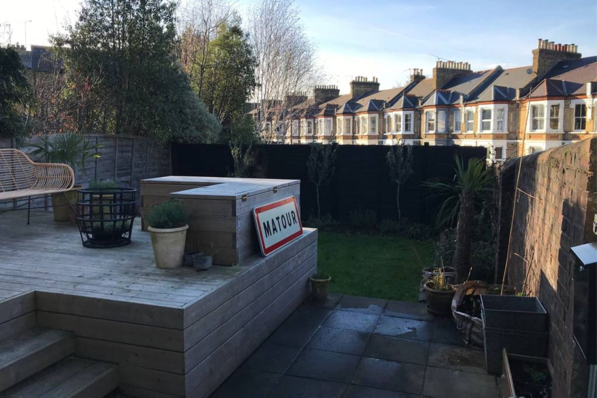 Bright 1 Bedroom Flat With Garden in New Cross Gate, London