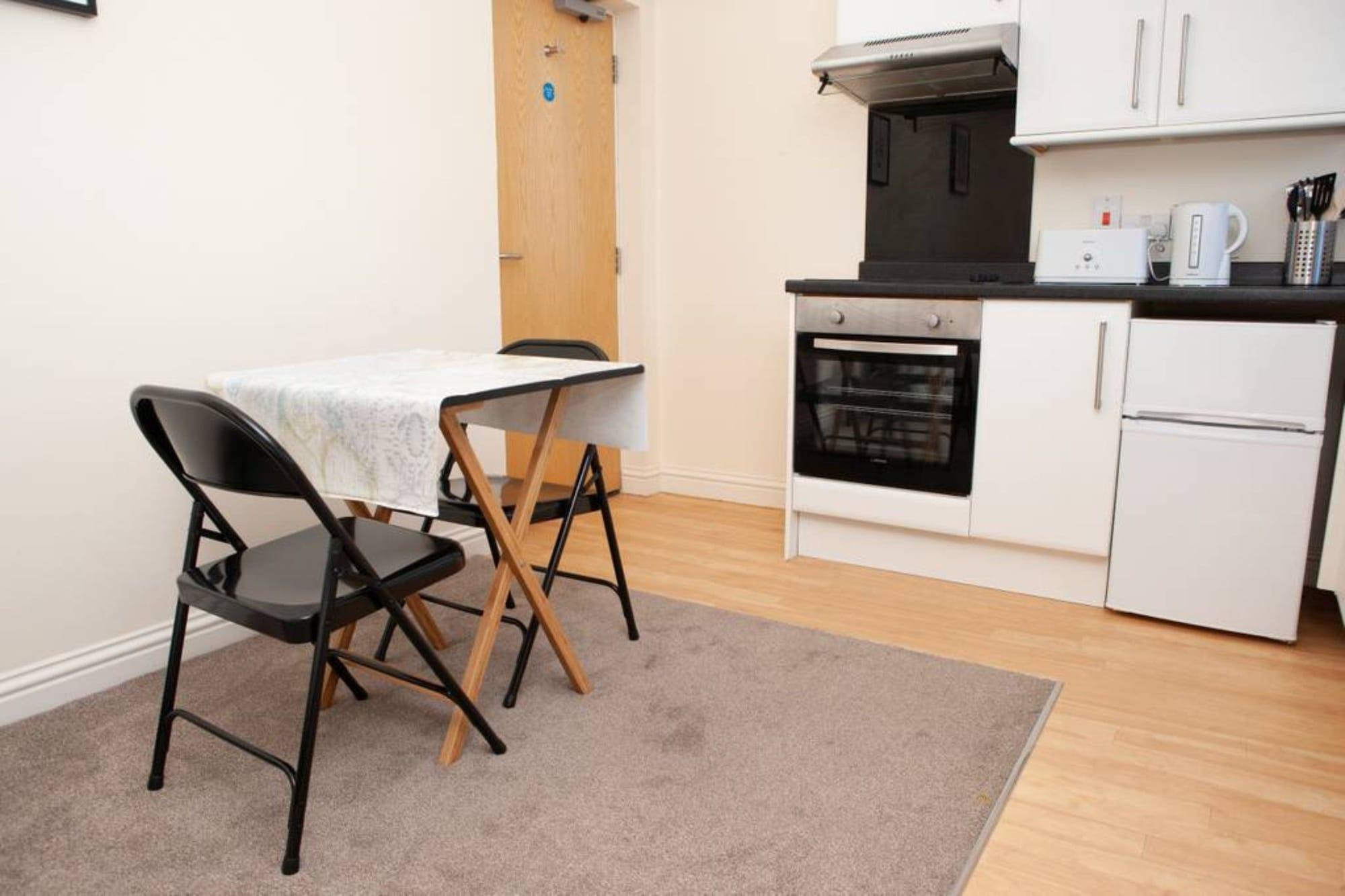 Spacious Studio Apartment, Bristol
