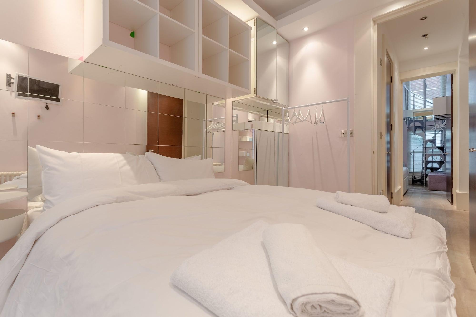 Stylish 3 Bedroom Home in Hampstead, London