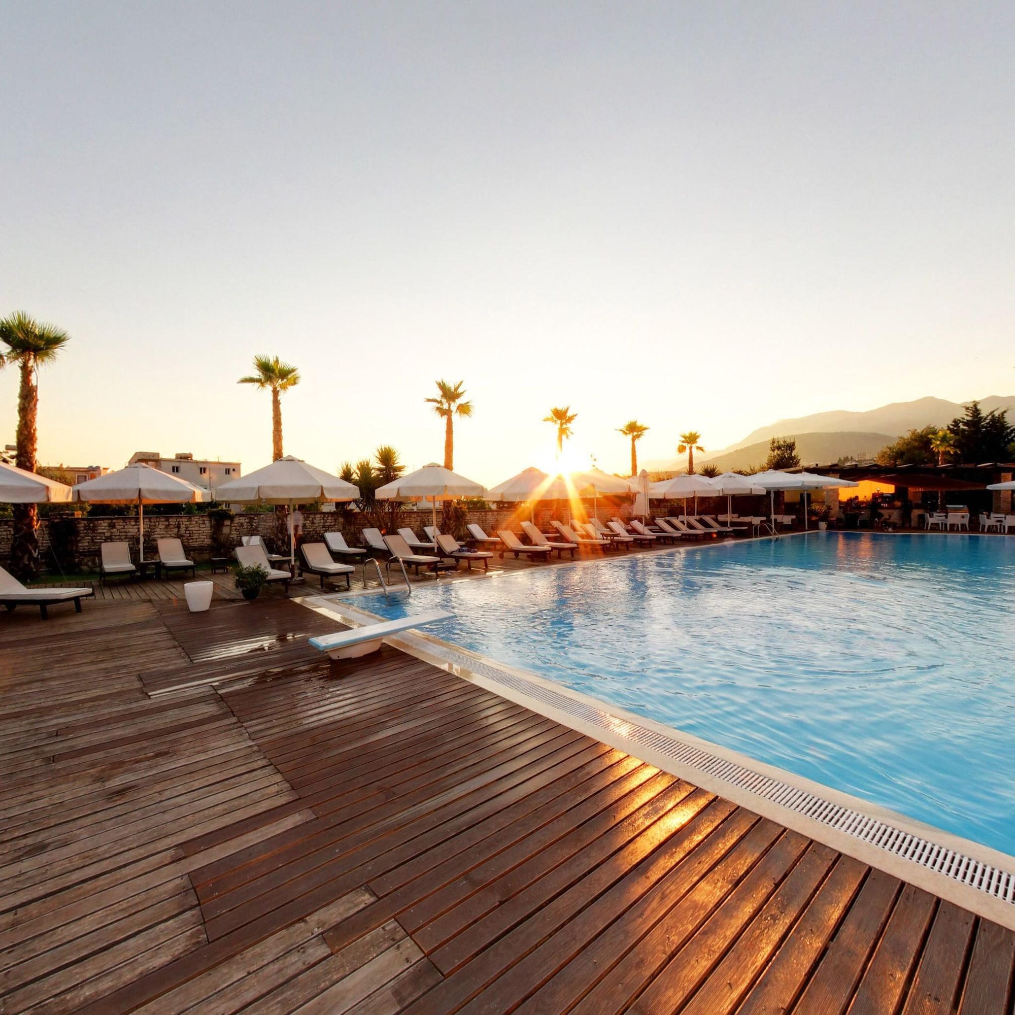 Rapos Resort Hotel, Vlorës