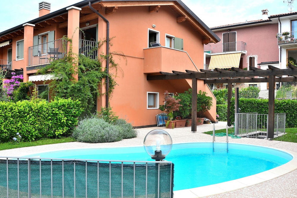 Apartment Cà Nova With Pool