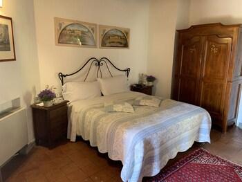 Deluxe Double Room, Garden View