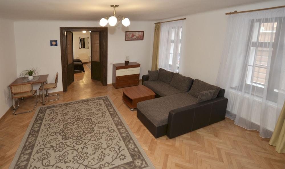 Casa Roth Apartments