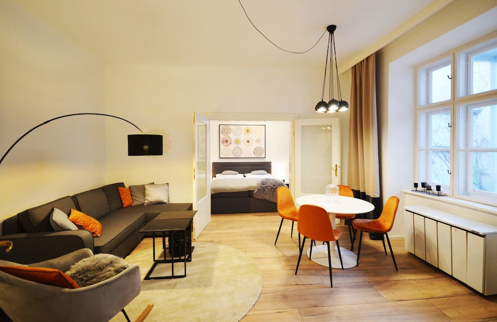 Cozy Apartment near The Town Hall Vienna