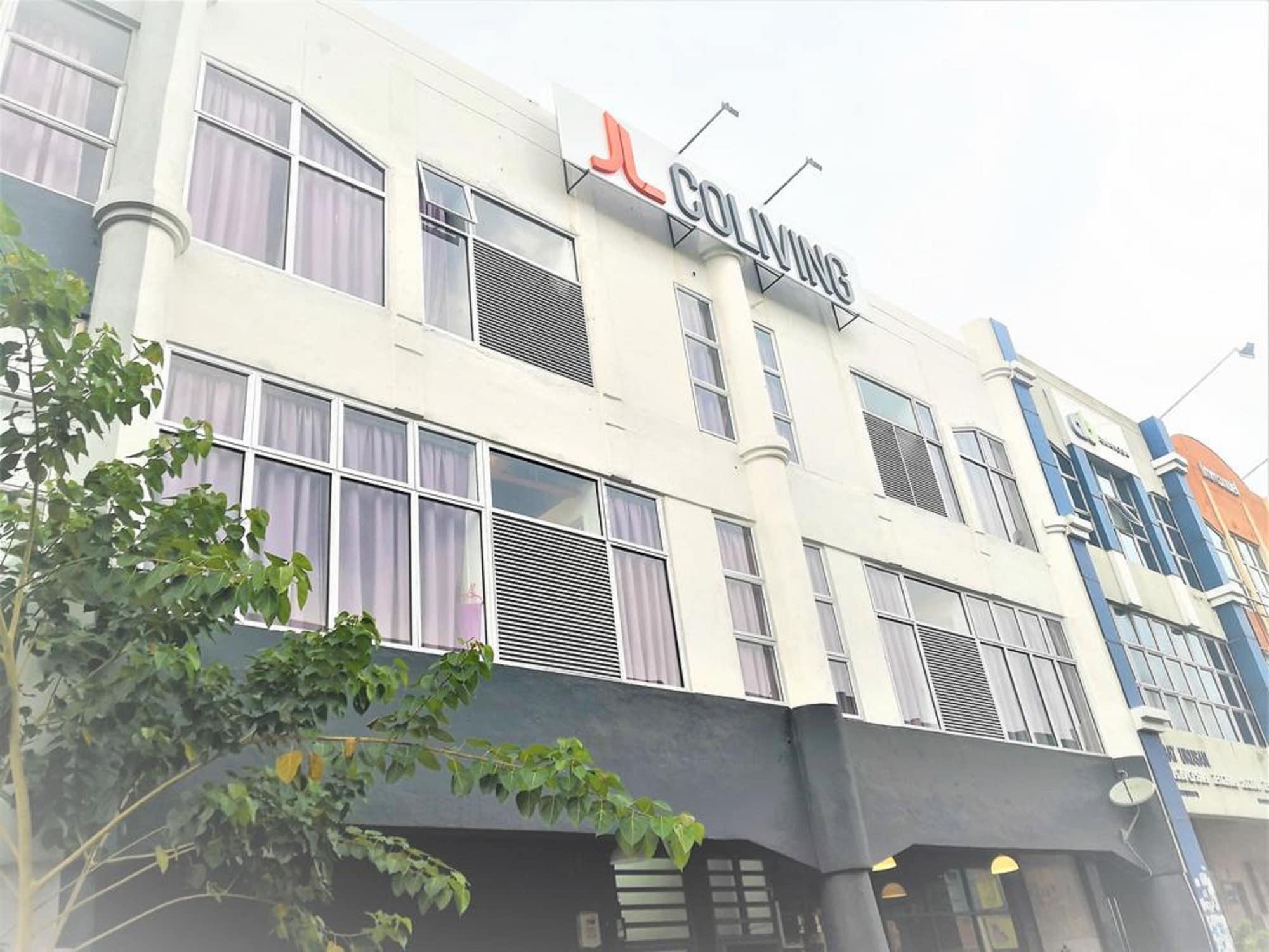MU Home - JL Co-living USJ 21, Kuala Lumpur