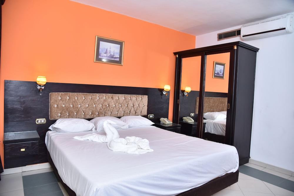 ロイヤル ピラミッズ ホテル