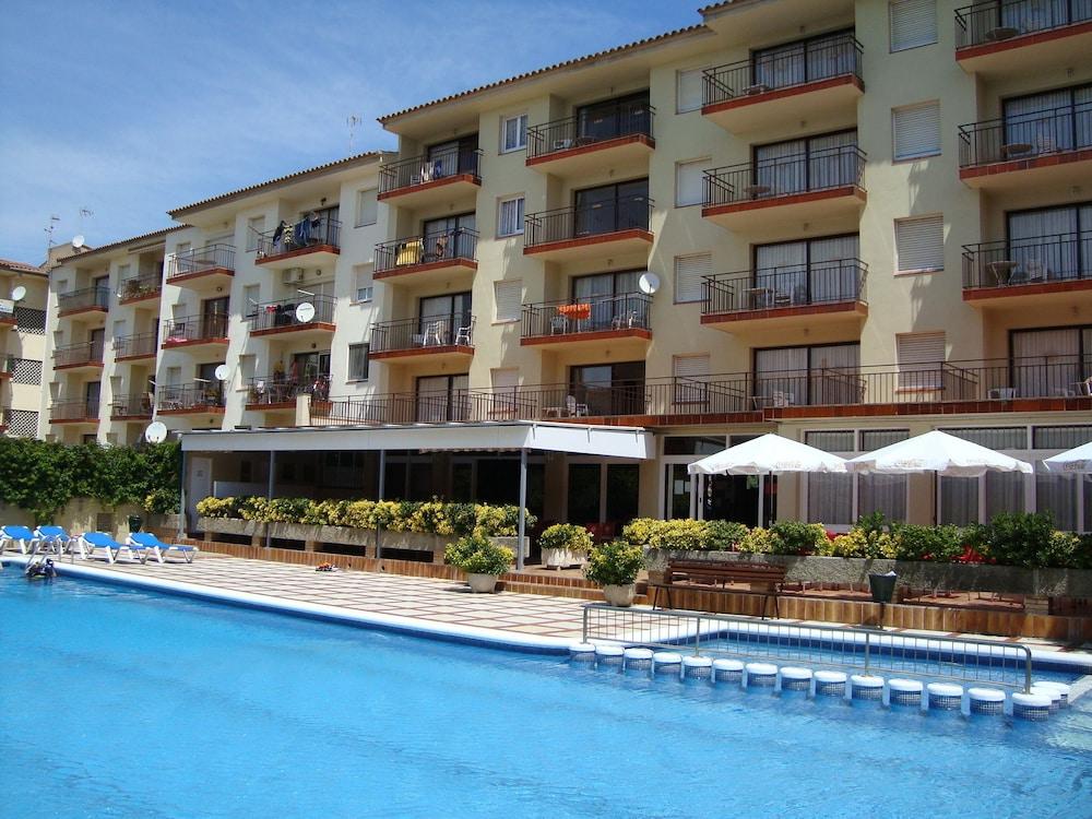 Payet Apartments 6-8 Personas