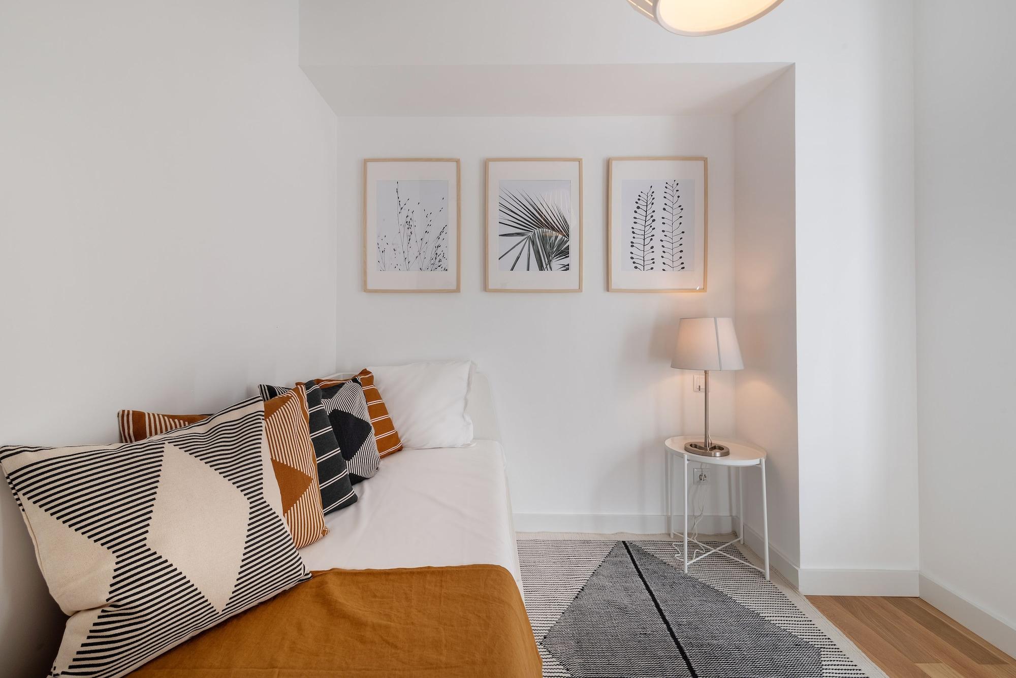 Portuguese Modern Style Flat, Lisboa