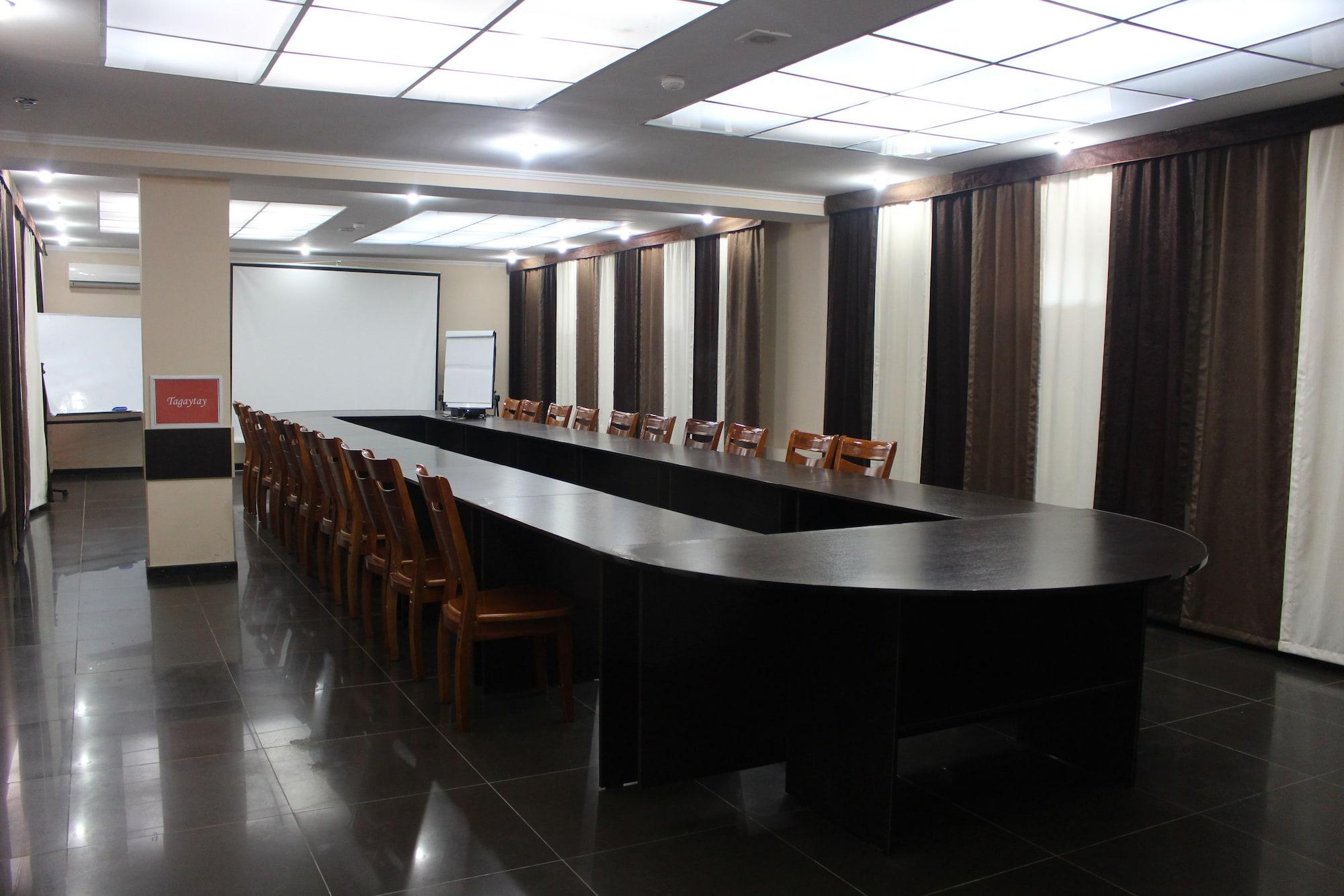 Tagaytay Karakol Hotel, Ak-Suu