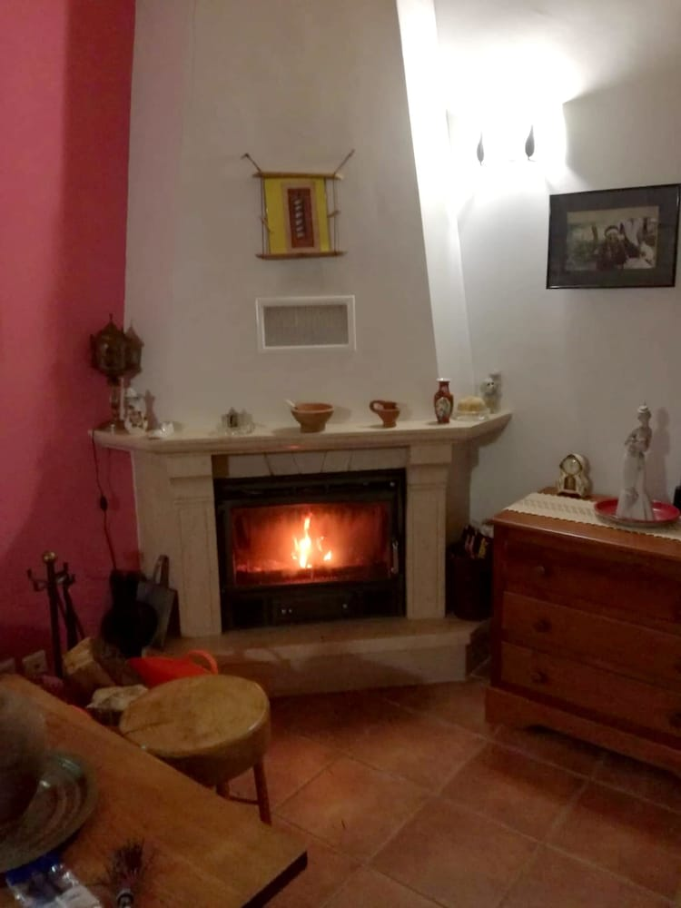 House With 2 Bedrooms in Salvaterra de Miño, With Wonderful Mountain View, Enclosed Garden and Wifi