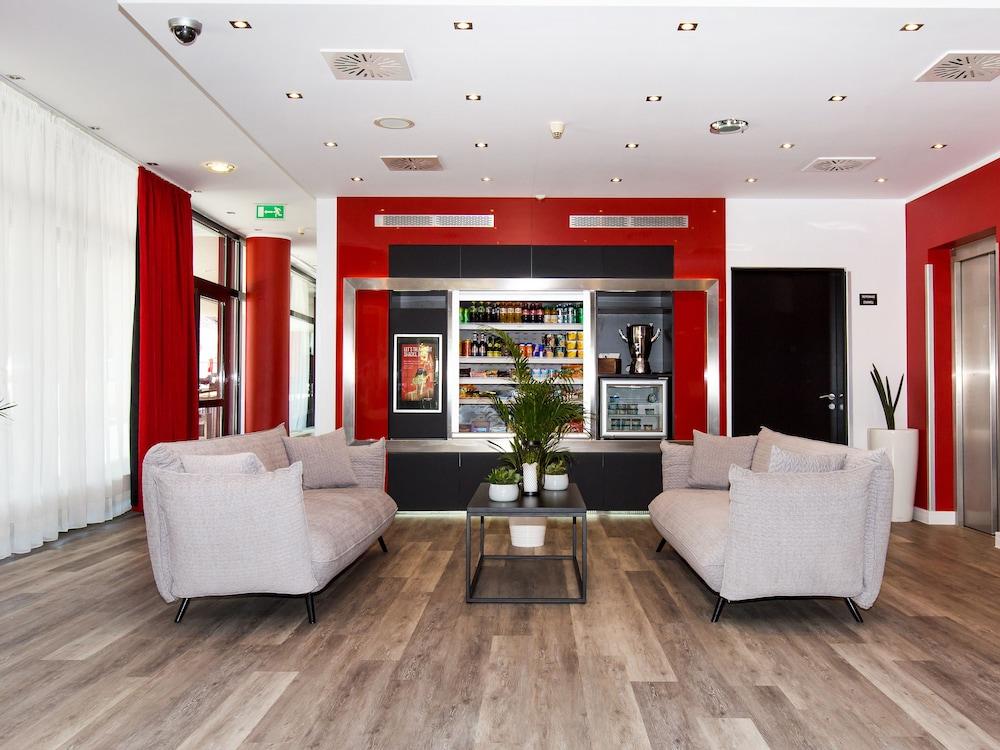 DORMERO Hotel Zürich Airport