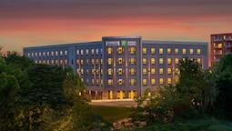 Staybridge Suites Boston - Quincy, an IHG Hotel