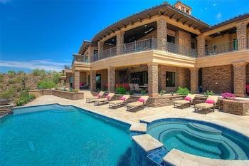Palisades Estate 5 BR by Casago