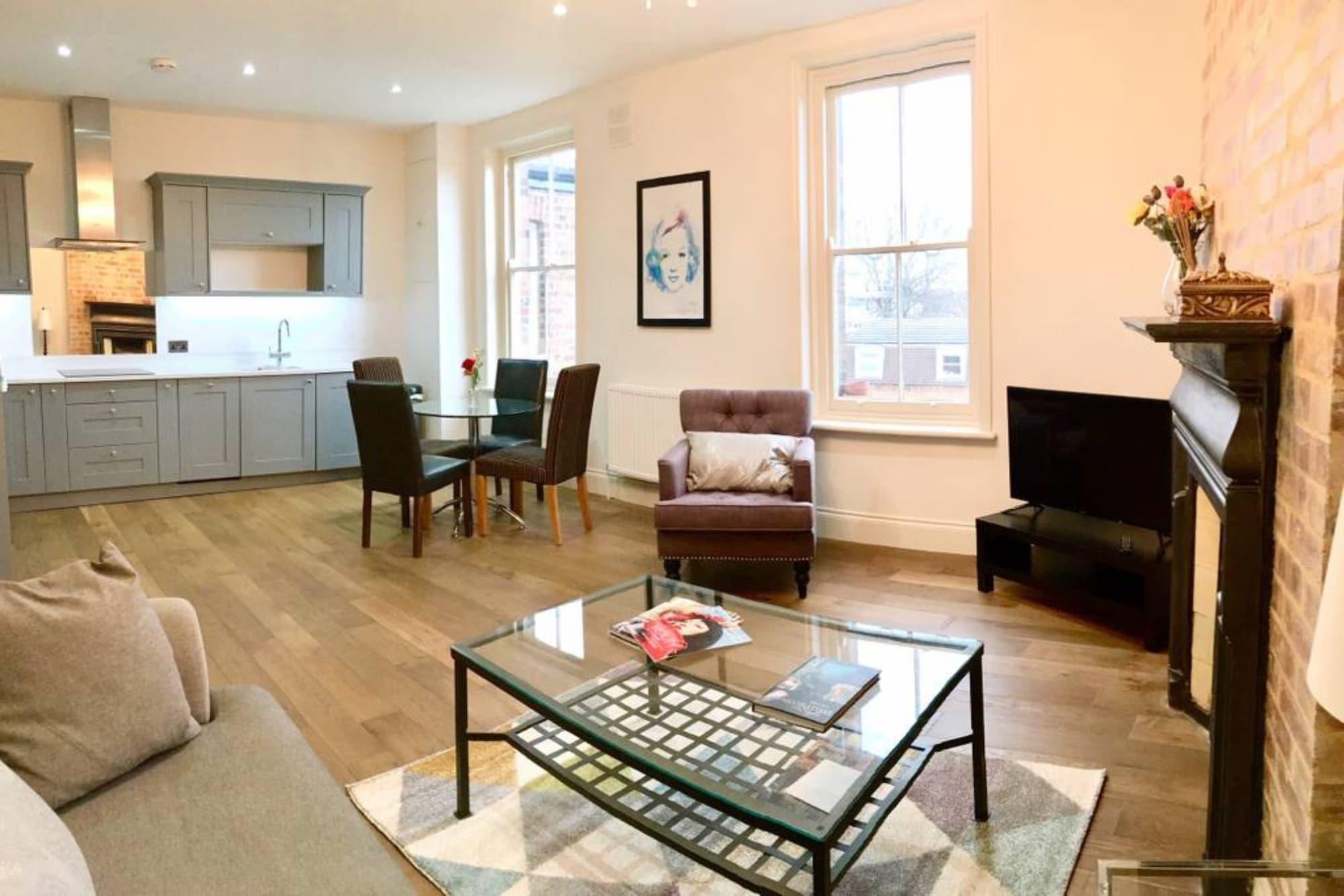 Newly Renovated 2 Bedroom Flat in Wimbledon Village, London