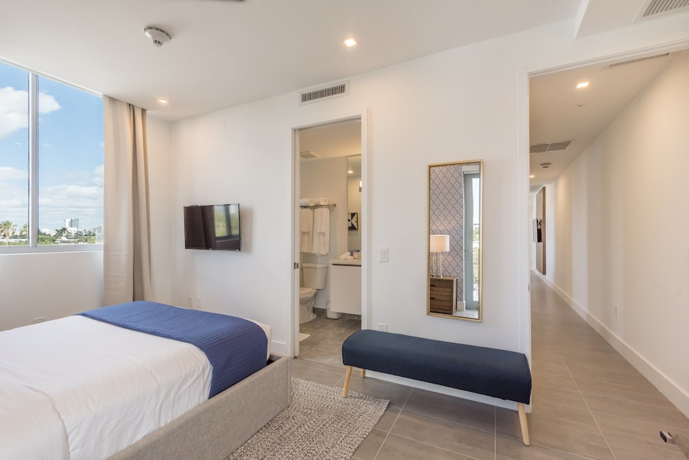 VHC Luxury Apartments 538 Apt #403