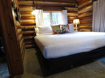 Comfort Cabin, 1 King Bed (Cabin 4)