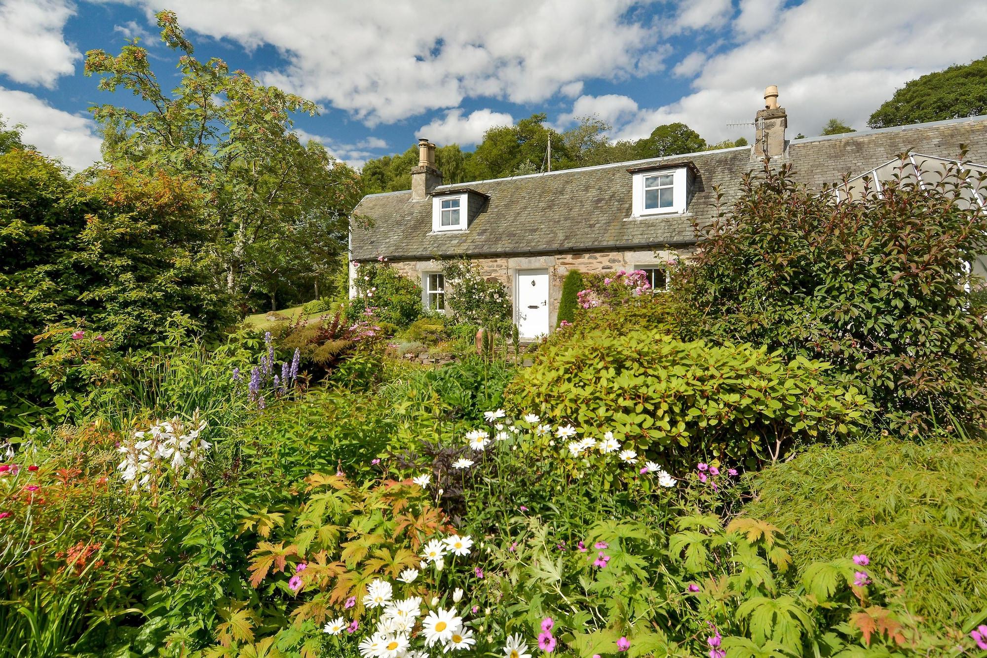 Tomnabrack Cottage B&B, Perthshire and Kinross