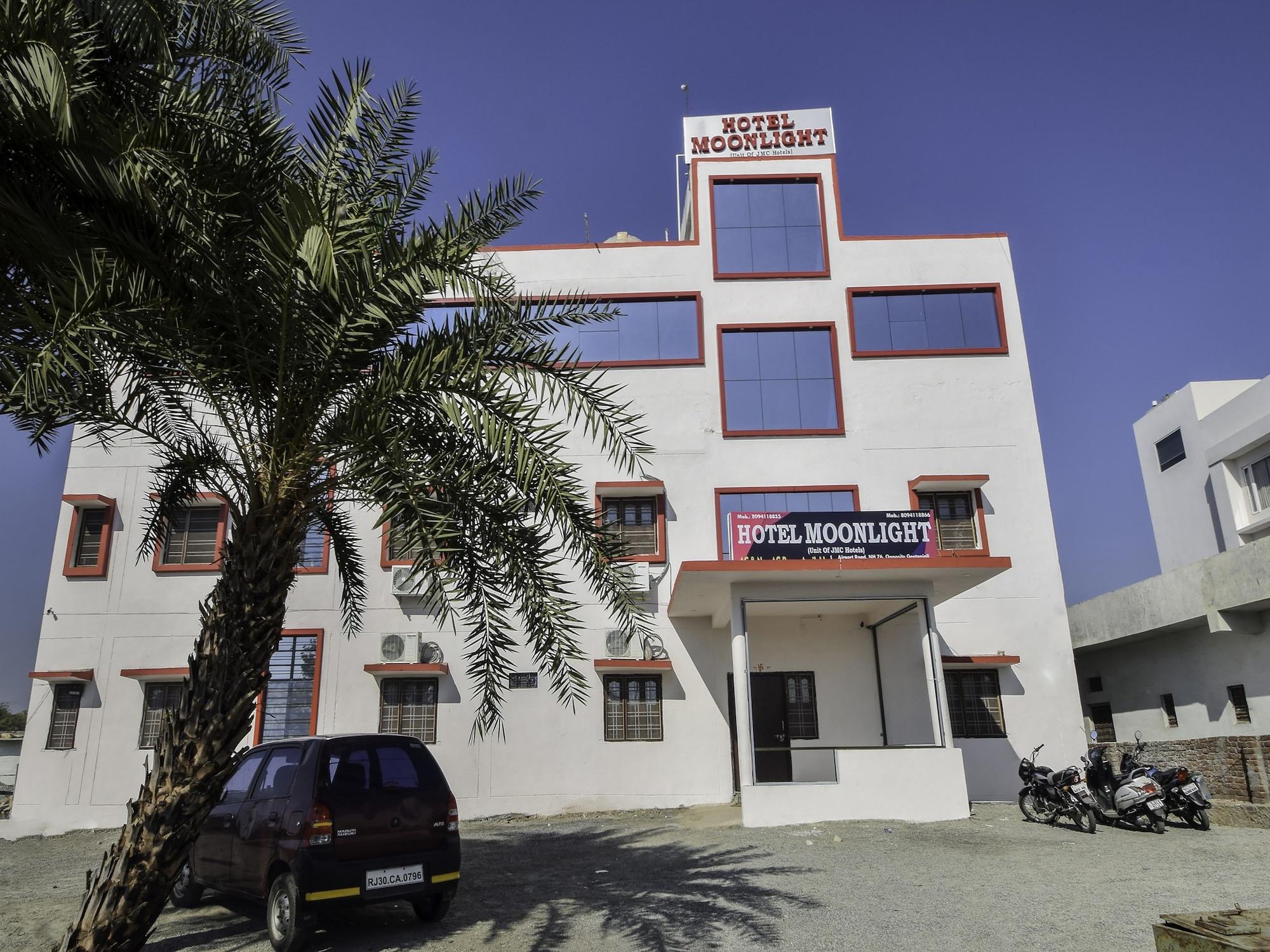 OYO 27626 Hotel Moonlight, Udaipur