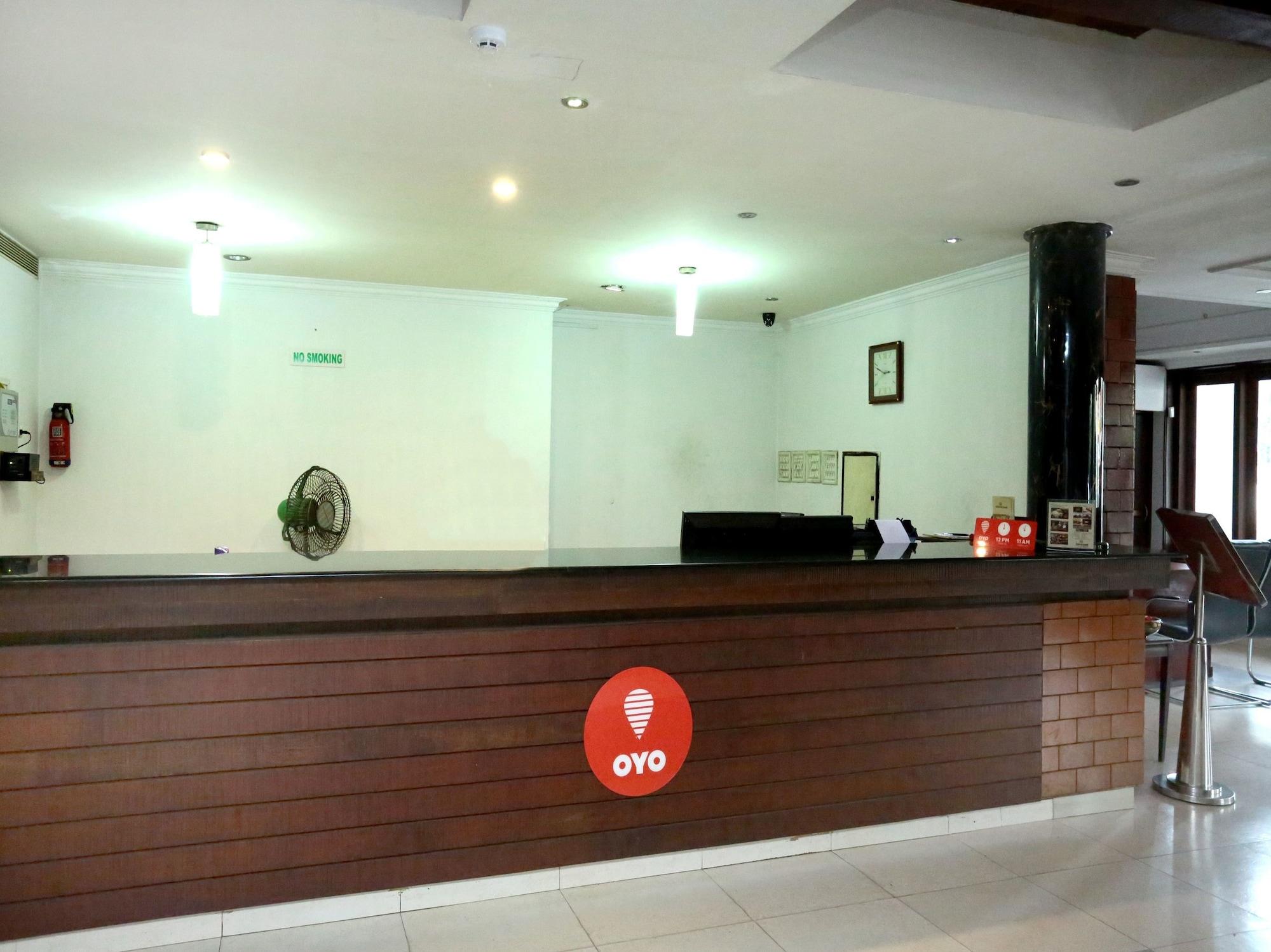 OYO 15992 Central Hotel, Thrissur