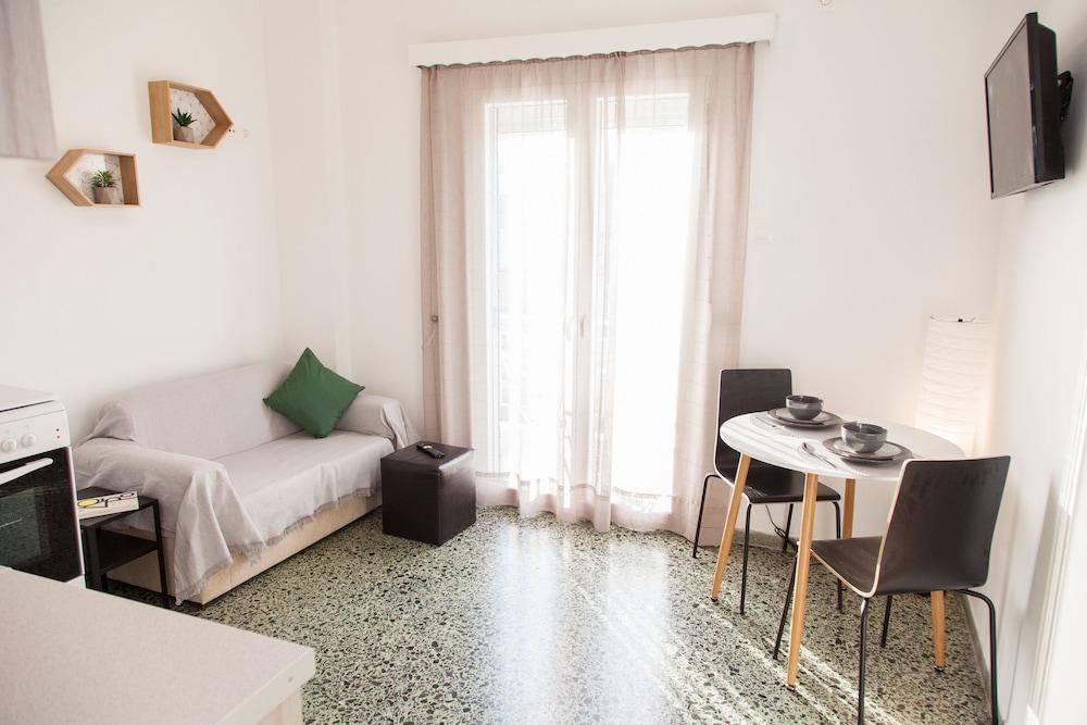マリーナ ゼアスの近くにある素敵なアパートメント