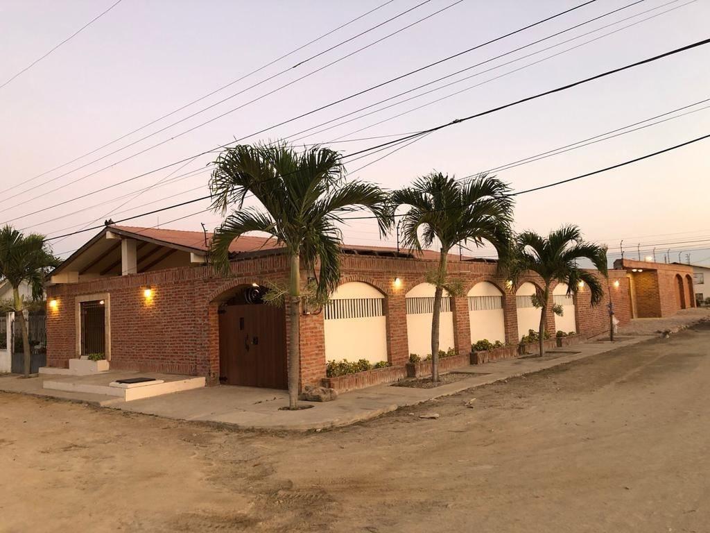 Casa Florencia, Salinas