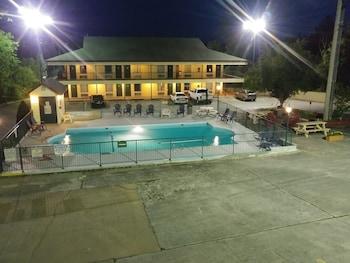 Hotel - Four Seasons Inn