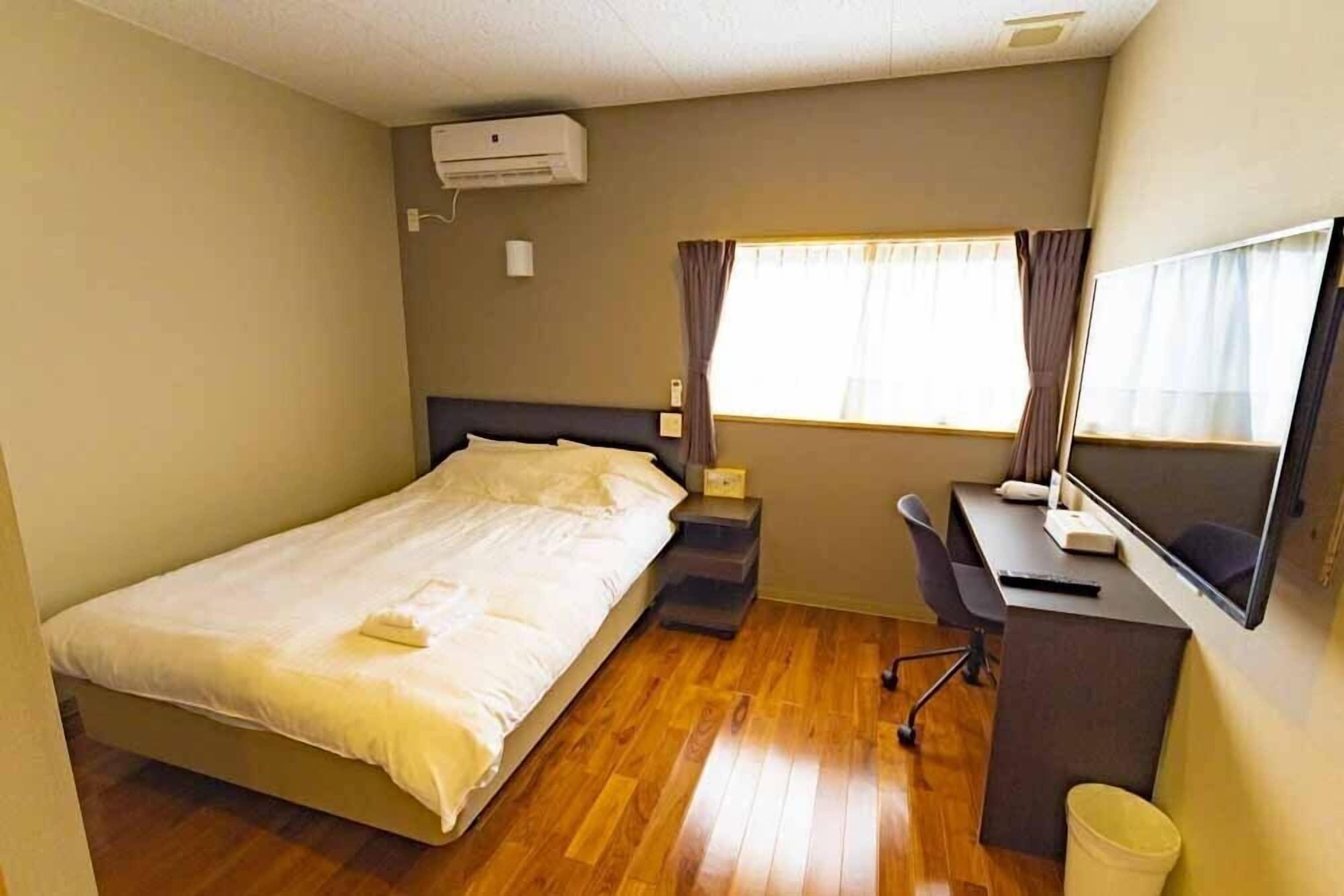 Beach Resorts Hotel KALAKAUA, Onna
