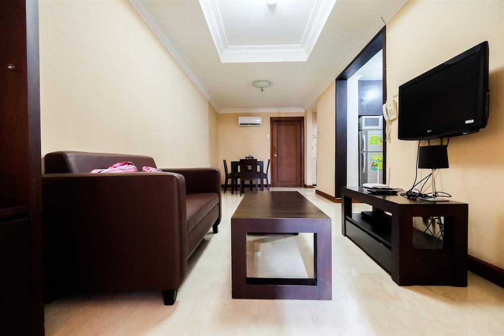 Elegant Minimalist 1BR Puri Imperium Apartment