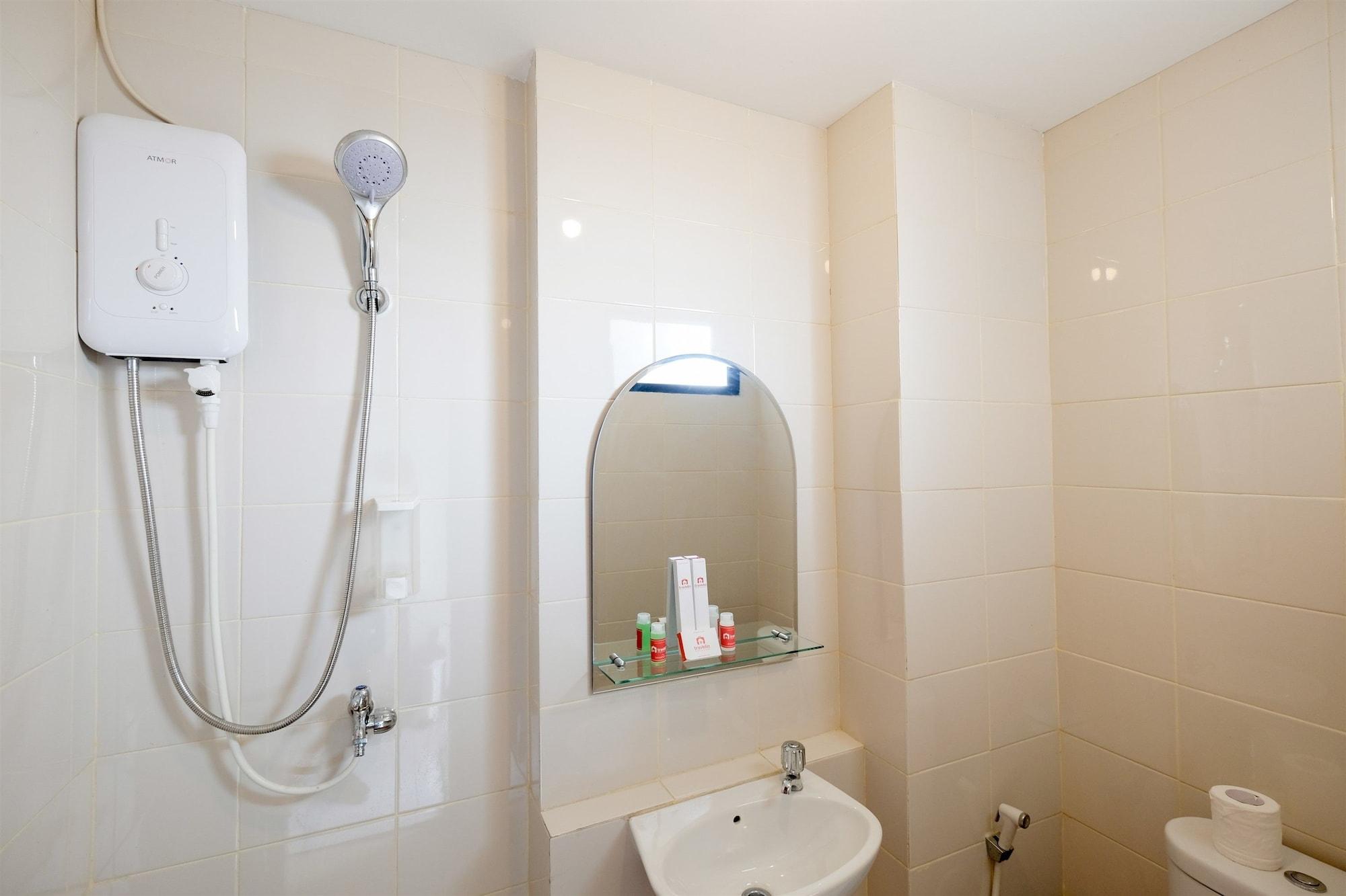 Comfortable New Furnish 2BR Lagoon Resort Apartment, Bekasi