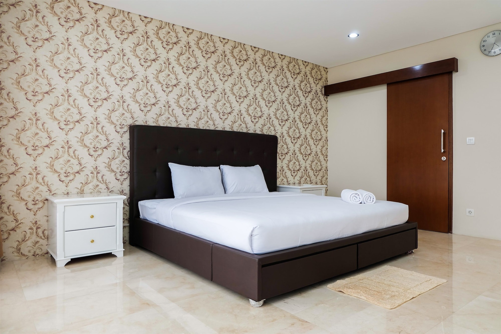 Modern and Spacious 1BR Apartment at L'Avenue By Travelio, Jakarta Selatan